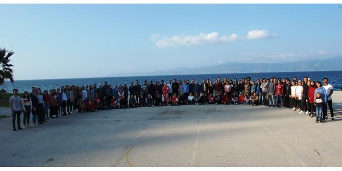 Gençler iyilik hareketine güç vermek için toplandı