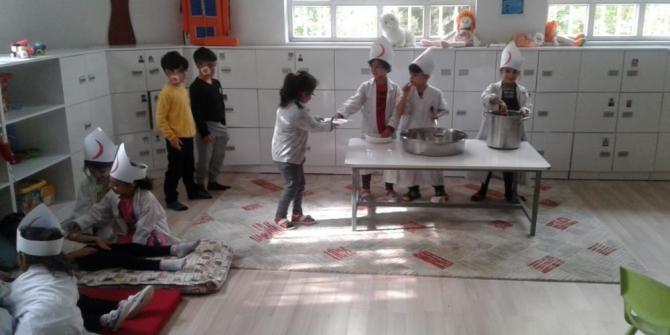 Türk Kızılayı'nın önemi minik öğrencilere öğretildi