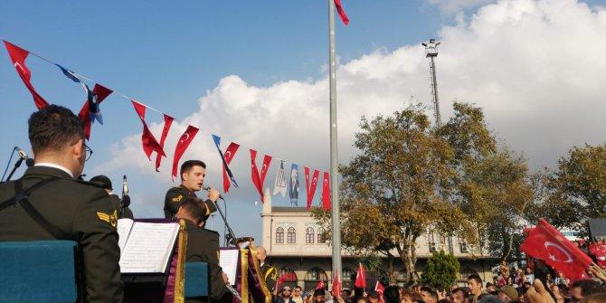 Selimiye Kışlası korosu, Kadıköy'de konser verdi.