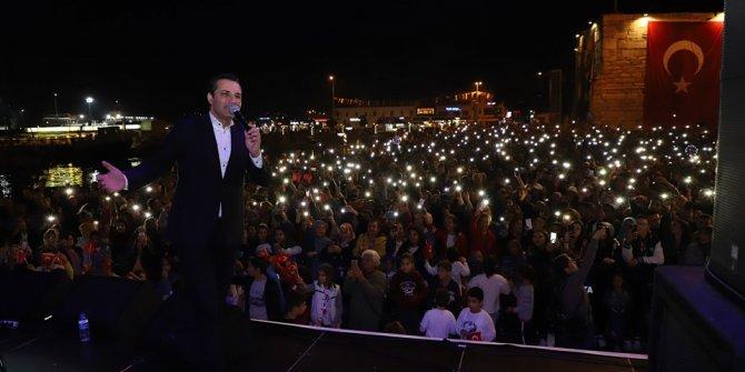 Gelibolu'da, Cumhuriyet'in yıl dönümündeRafet El Roman rüzgarı