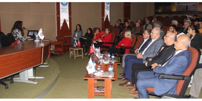 """Salihli'de """"Atatürk, Cumhuriyet ve Türk Kadını"""" konferansı"""