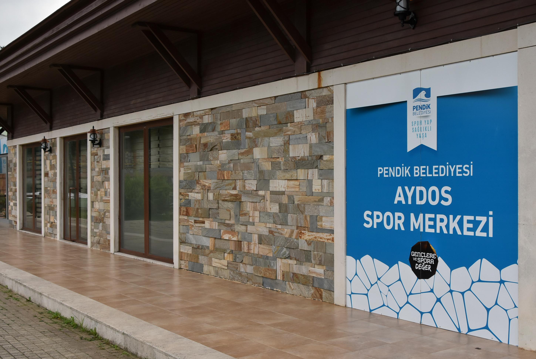 Aydos Spor Merkezi Yüzme Havuzu Pendik'te hizmete açıldı
