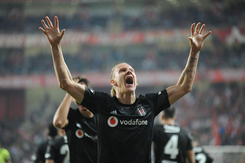 Beşiktaş 1 gösterdi, 2 vurdu! Antalyaspor 1-2 Beşiktaş maç sonucu