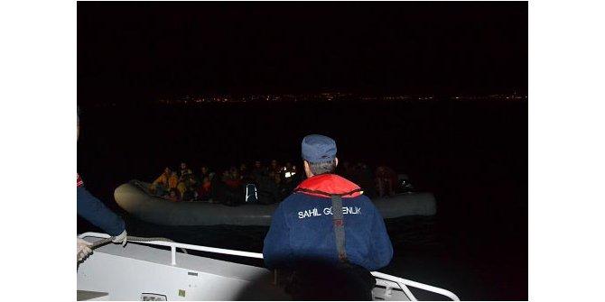 Kuşadası açıklarında 61 göçmen yakalandı