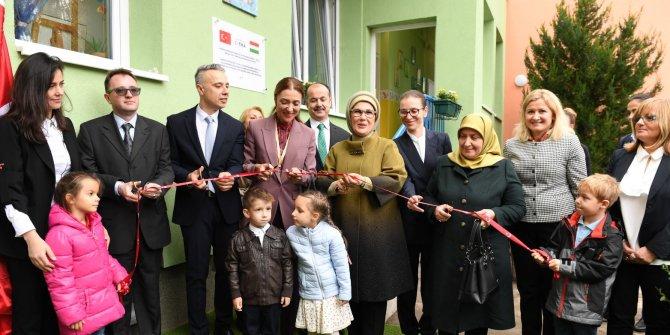 Emine Erdoğan, Macaristan Kispest Gokkuşağı Anaokulu açılışına katıldı