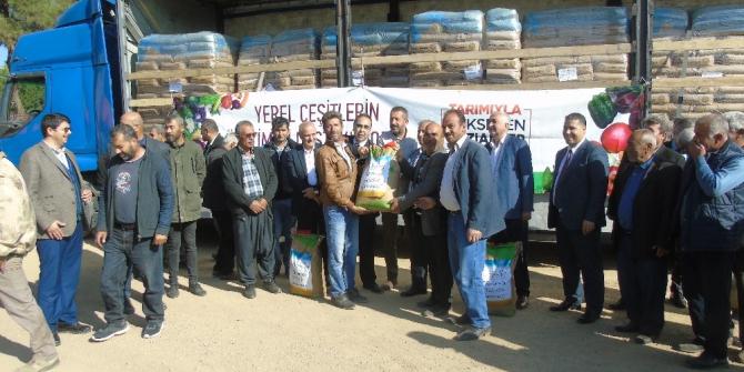 İslahiye'de 160 çiftçiye tohum dağıtıldı