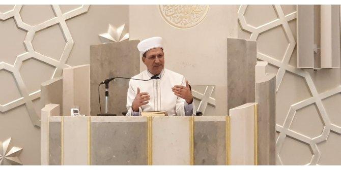 Avrupa'daki Müslümanlardan Mevlid Kandili coşkusu