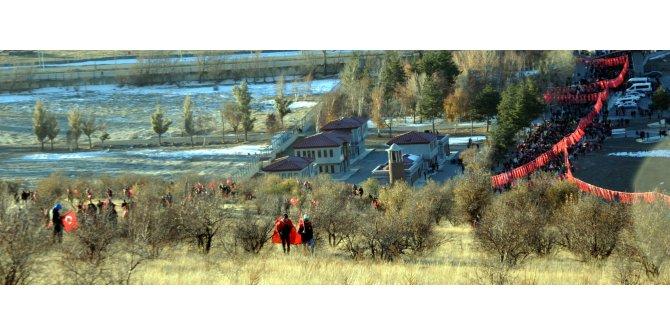 Binlerce Erzurumlu, Aziziye Tabyaları'na yürüdü