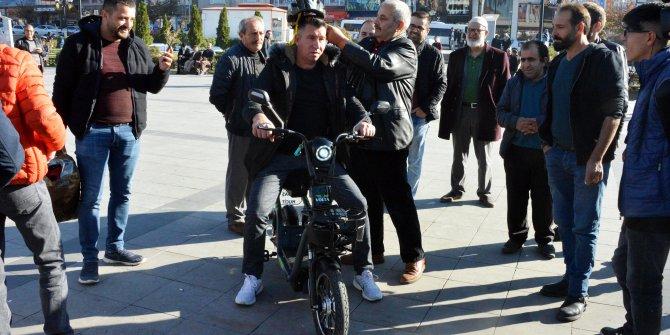 Bu motosiklet kasksız çalışmıyor