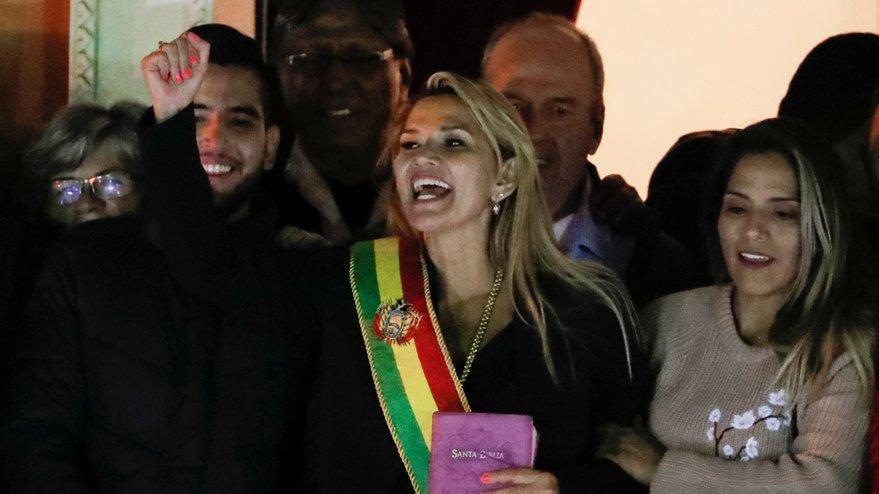 Bolivya geçici devlet başkanı İkinci Senato Başkan Yardımcısı Jeanine Añez oldu