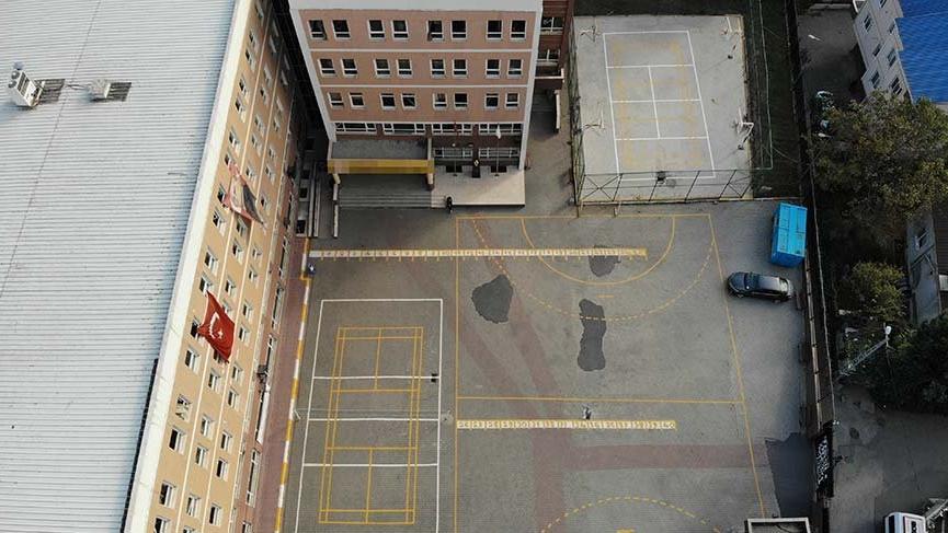 Pendik'te lise öğrenci ikinci kattan atladı