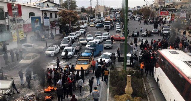 İran'da sular durulmuyor! Benzine yapılan zamdan sonra protestolar büyüdü