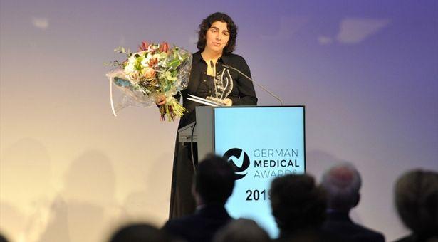Yılın ödülünü Türk doktor aldı