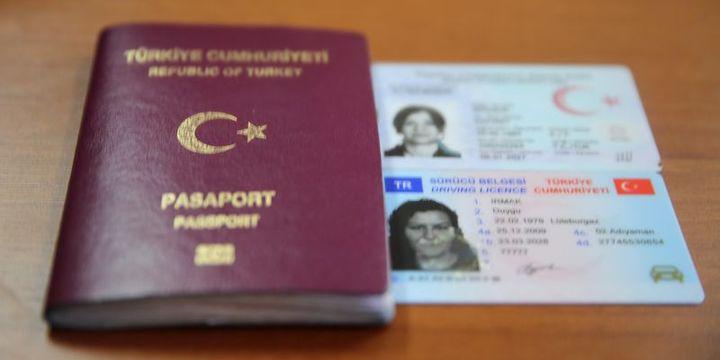 Bakan Çavuşoğlu'ndan yurt dışında yaşayan vatandaşlarımıza müjde!