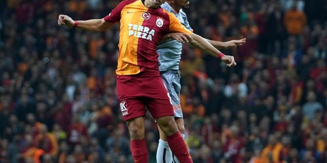 Süper Lig: Galatasaray: 0 - Medipol Başakşehir: 0 (İlk yarı)