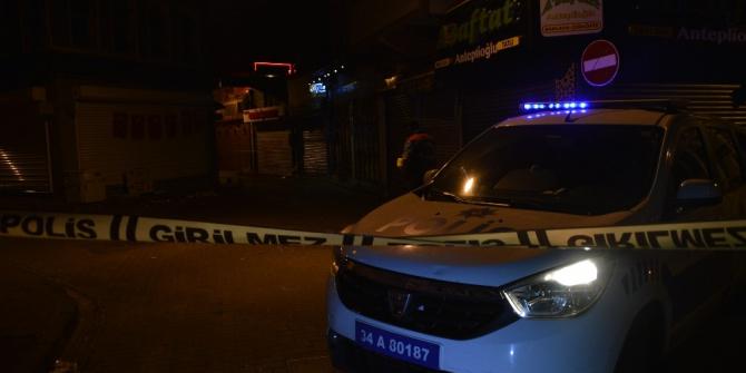 Balat'ta iki kişi arasındaki silahlı kavga kanlı bitti: 1 yaralı