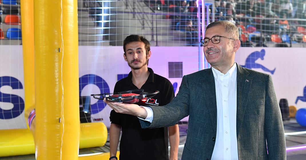 """Üsküdar ''Drone Fest"""" ile gençleri teknolojiyle buluşturdu"""