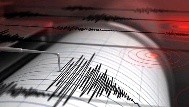 Akdeniz beşik gibi sallanıyor! Peş Peşe depremler...