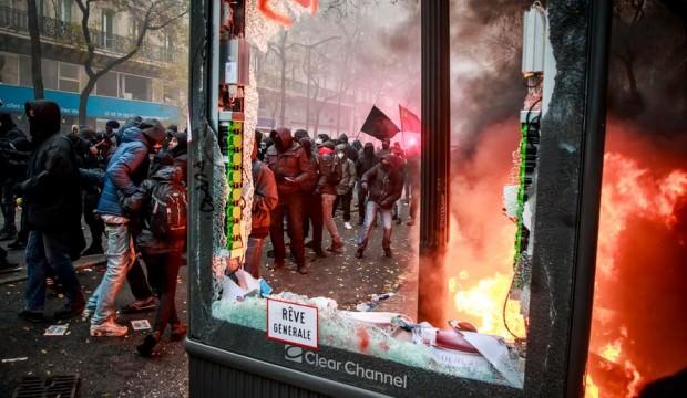 Cumhurbaşkanı Erdoğan uyarmıştı! Emmanuel Macron için tehlike çanları çalıyor