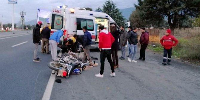 Devrilen motosikletteki baba ve oğlu yaralandı