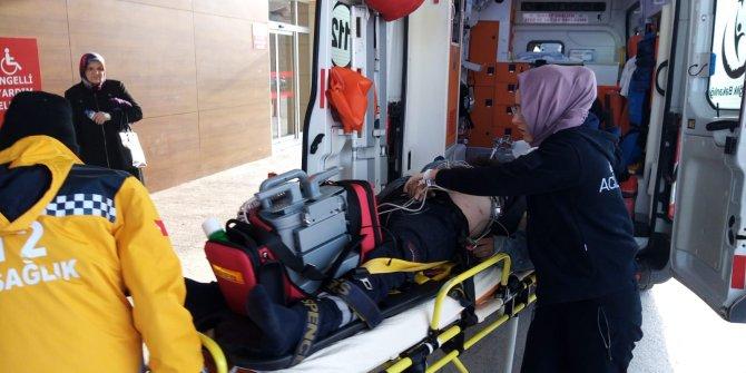 Fabrikanın çatısından düşen işçi, ağır yaralandı