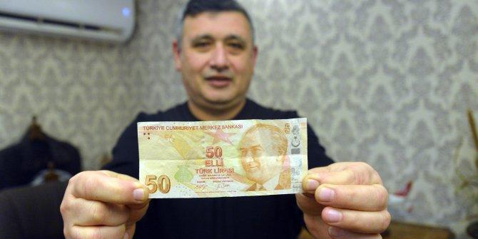 Hatalı basım olduğunu iddia ettiği 50 lirayı, 50 bin liraya satıyor