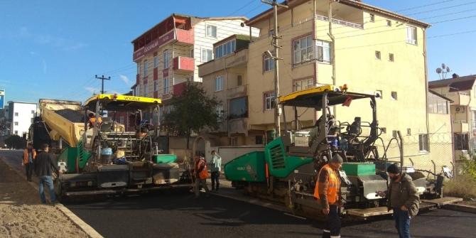 Büyükşehir'den Körfez caddelerine sıcak asfalt serimi