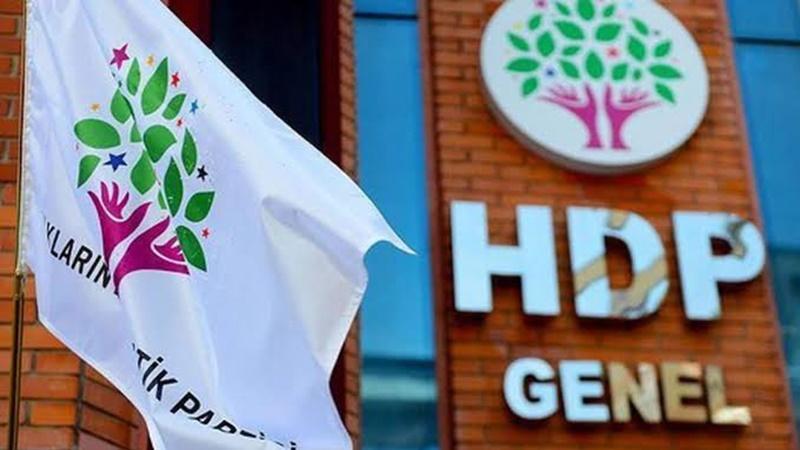 HDP'li ilçe başkanı teröristi güvenli bölgeye götürürken yakalandı