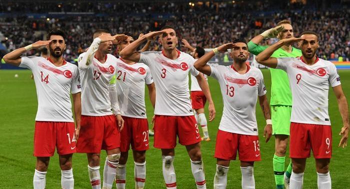 TFF, UEFA'daki asker selamı soruşturmasında savunma verdi