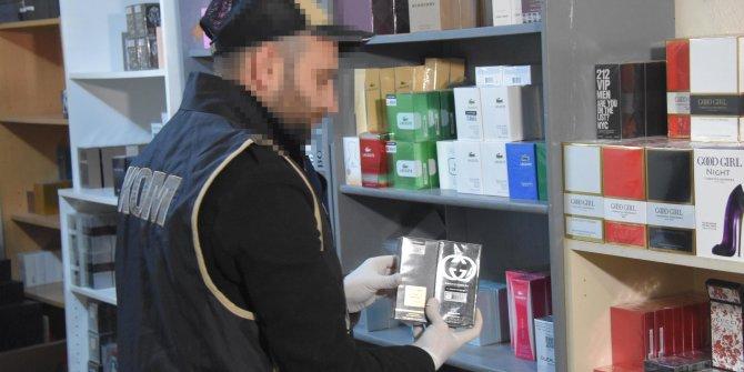 """İzmir'de yılbaşı öncesi """"gümrük kaçağı ürün"""" operasyonu"""