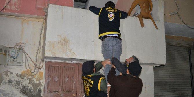 Adana'da 52 firarinin yakalanması için şafak operasyonu