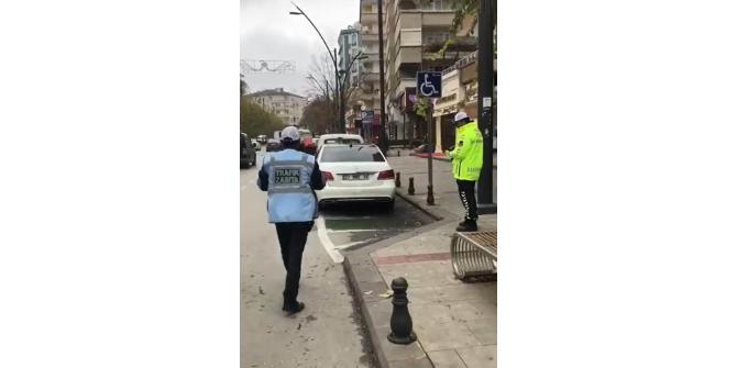 Engelli yerlerine park edenlere ceza yağdı