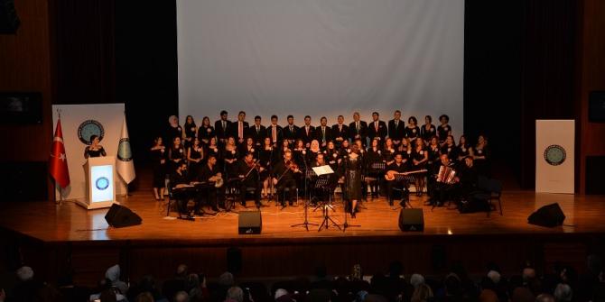 Bursa Uludağ Üniversitesi'nde 'Yeşilçam Şarkıları' yankılandı