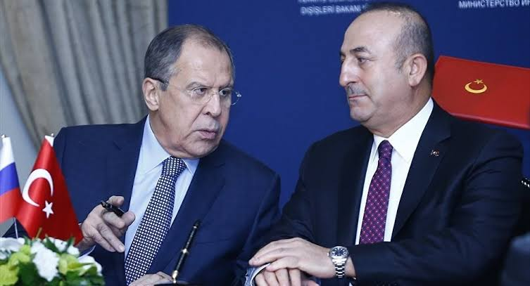 Çavuşoğlu ve Lavrov telefonda görüştü