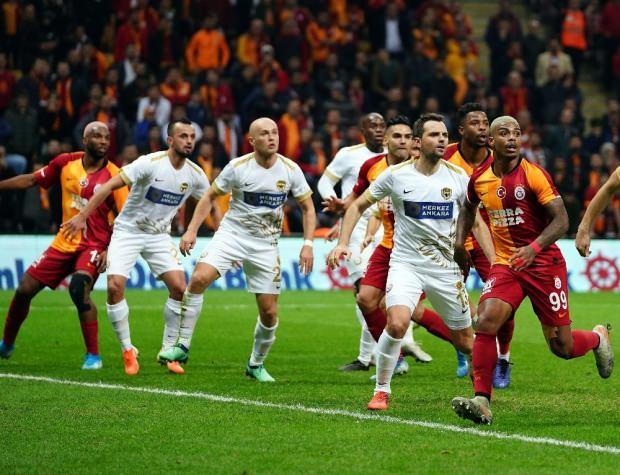 Galatasaray'a kendi sahasında soğuk duş
