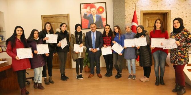KAYÜ öğrencilerinden Başkan Cabbar'a ziyaret