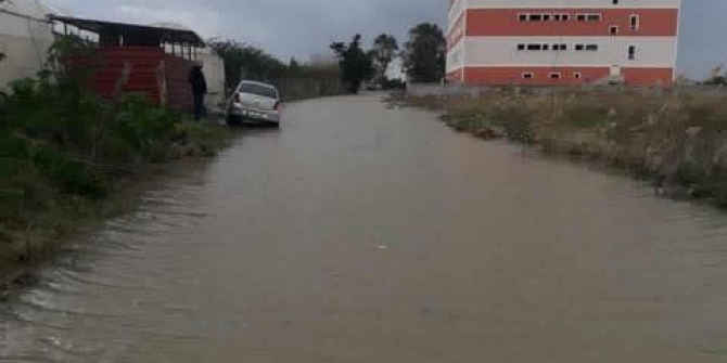 Samandağ'da bir okula aşırı yağış tatili