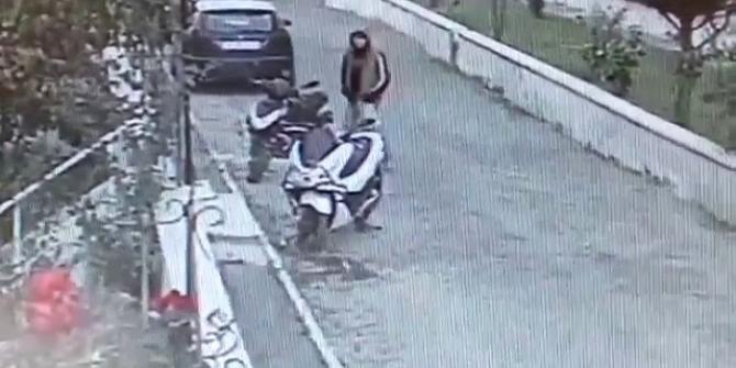 Kuşadası'nda motor hırsızlığı kameraya yansıdı