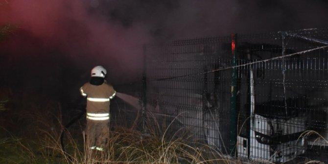 Servis bakım alanında yangın: 6 araç hasar gördü