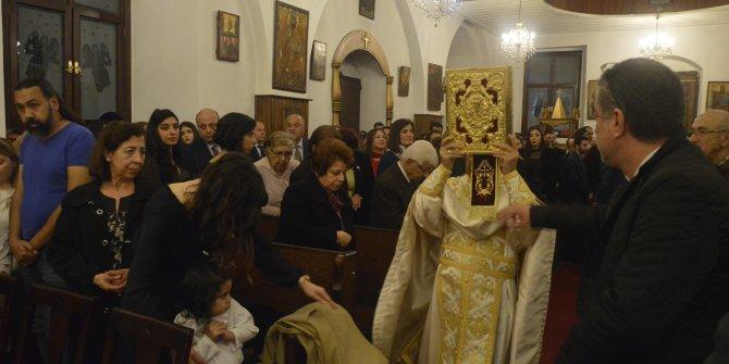 Mersin'deki Noel ayininde dualar, barış için
