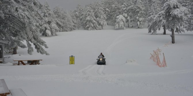 Muratdağı Termal Turizm Merkezi'nde kar kalınlığı 50 santimi geçti