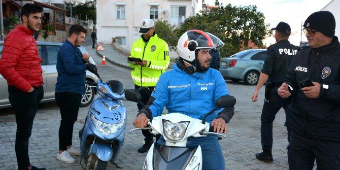 Kask takmayan motosikletlilere ceza yağdı