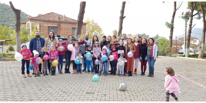 Çiğli Belediyesi çocuk tiyatrosu mahallelerde