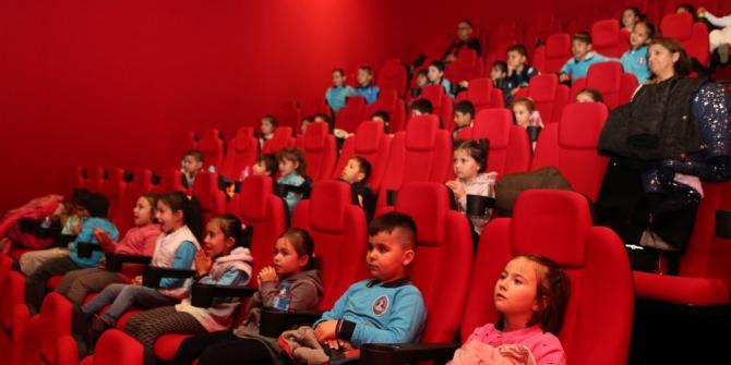 Bolu Belediyesi çocukların yüzünü güldürmeye devam ediyor