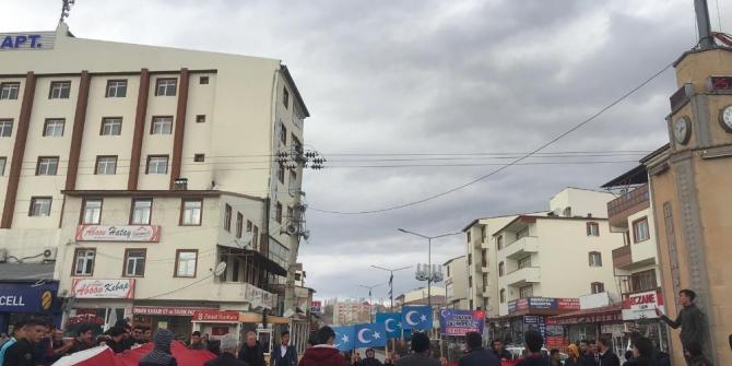 """Horasan'da Doğu Türkistan için """"Sessiz Çığlık"""" yürüyüşü yapıldı"""