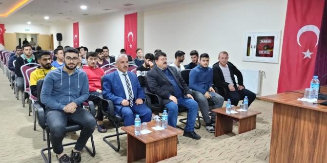 Beyşehir'de üniversite öğrencilerine 'tütünle mücadele' konferansı