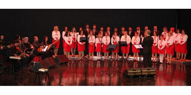ESOGÜ Hastanesi Türk Halk Müziği Korosu ve HAMER Orkestrası konser verdi