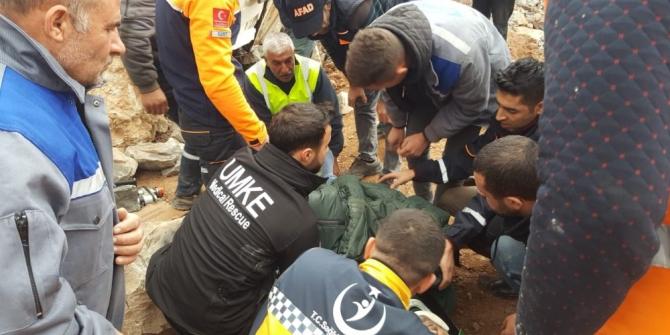 Siirt'te kamyon şarampole yuvarlandı: 1 yaralı