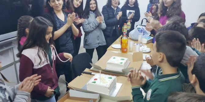 Burhaniye'de Liseli gençler anlamlı bir projeye imza attı