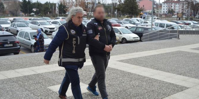 Bolu'da, vergi dairesi çalışanı uyuşturucu operasyonunda yakalandı